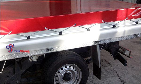 Cobertura-de-carrinha-vermelha